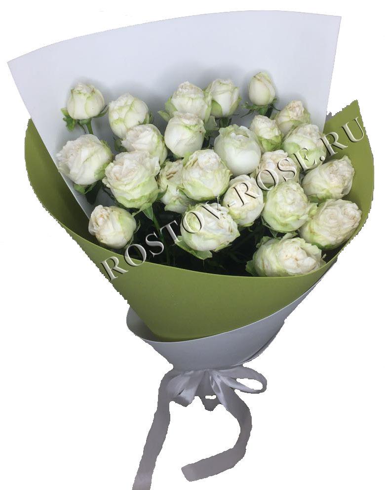 Букет из 5ти веточек кустовой пионовидной розы сорта Мисс бомбастик белый