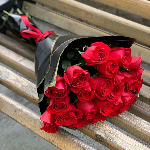 25 голландских роз