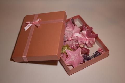 Набор заколок в подарочной коробке (арт.5002 роз)