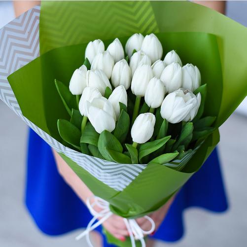 Купить тюльпаны. Букет белых тюльпанов 21шт. Пермь