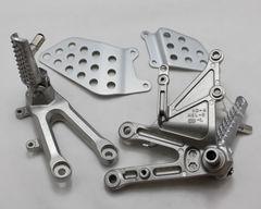 Подножки передние с кронштейнами для мотоцикла Honda CBR1000RR 04-07
