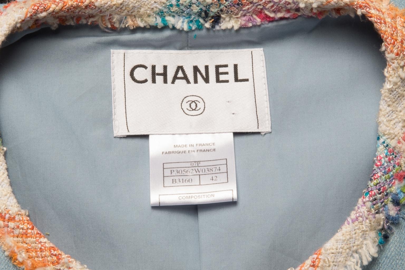Изысканный джинсовый жакет с отделкой из твида от Chanel, 42 размер.