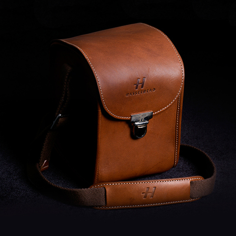 Lunar camera case brown leather