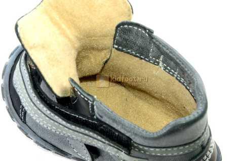 Ботинки Тотто из натуральной кожи демисезонные на байке для мальчиков, цвет черный. Изображение 10 из 10.