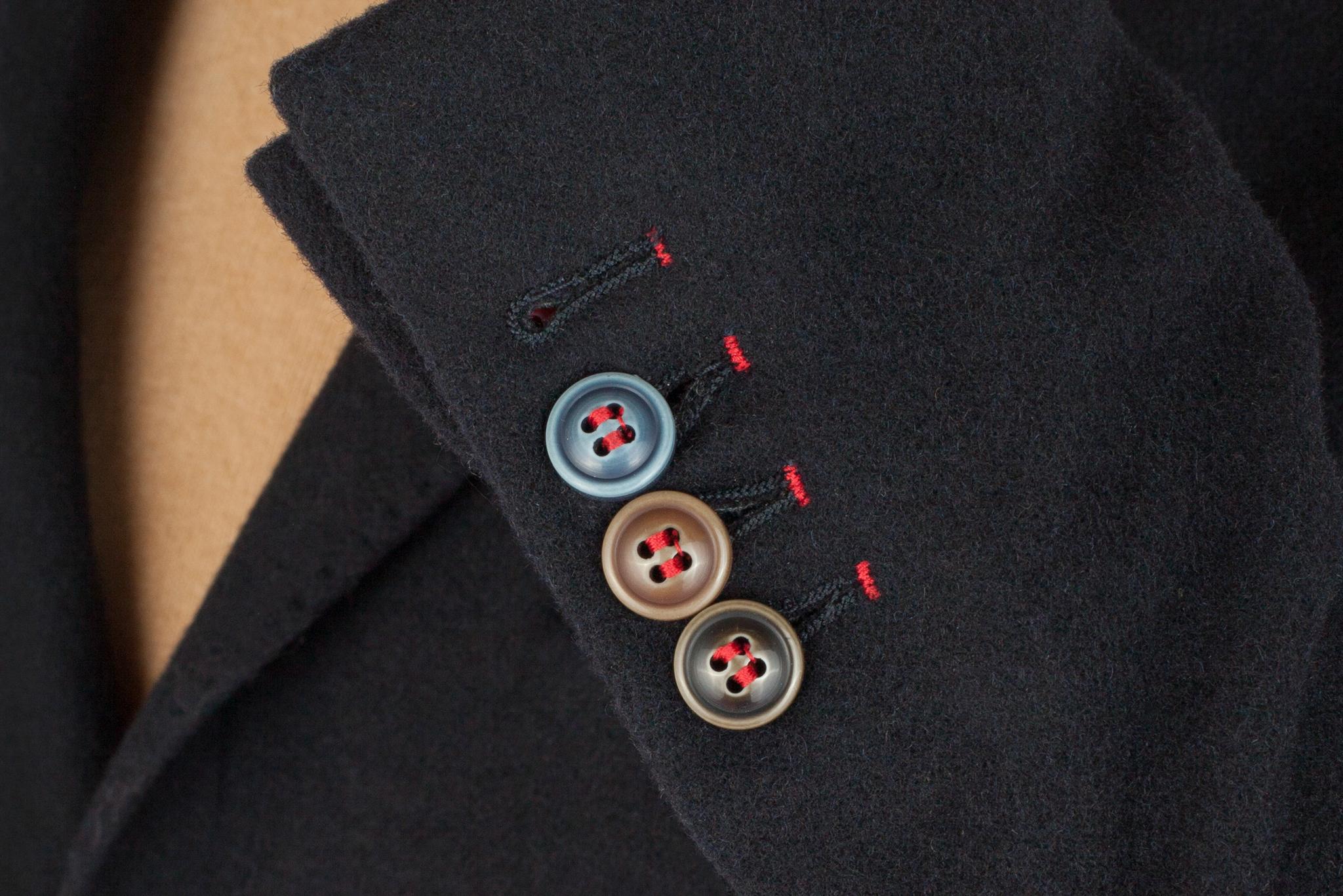 Тёмно-синий шерстяной пиджак
