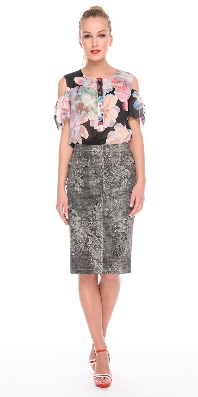 Юбка Б069-381 - Стильная джинсовая юбка-карандаш модной длины ниже колена. Сзади шлица и застежка на потайную молнию. Спереди имитация карманов.