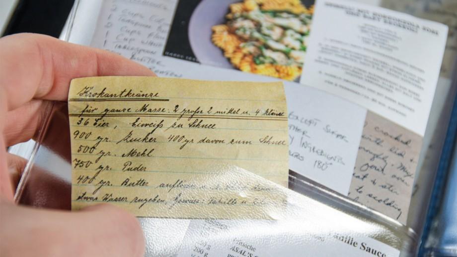 Книга - блокнот А5 для записи кулинарных рецептов TasteBook Dots, кожа Remember tt02 | Купить в Москве, СПб и с доставкой по всей России | Интернет магазин www.Kitchen-Devices.ru