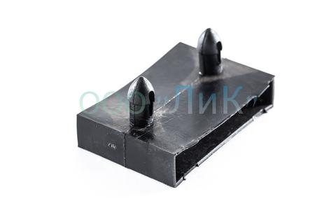 Латодержатель накладной, центральный, проходной (без перегородки) 53 мм. черный