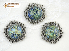 Камни круглые Битое стекло в ажурной серебряной оправе изумрудные
