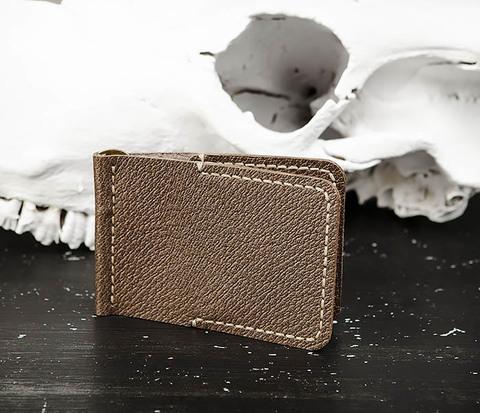 Мужской зажим для денег коричневого цвета