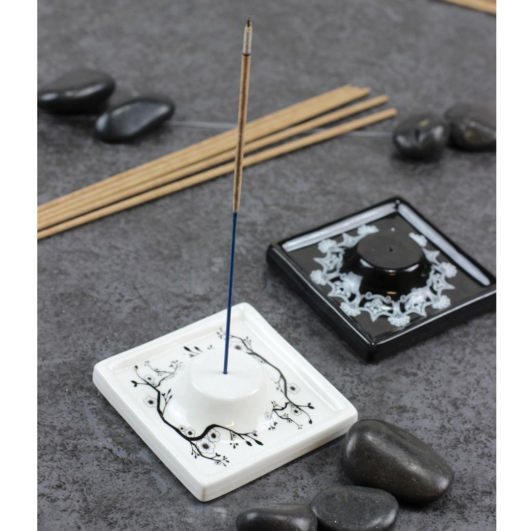 Керамическая пепельница-подставка для благовоний черная (Палочки-благовония)