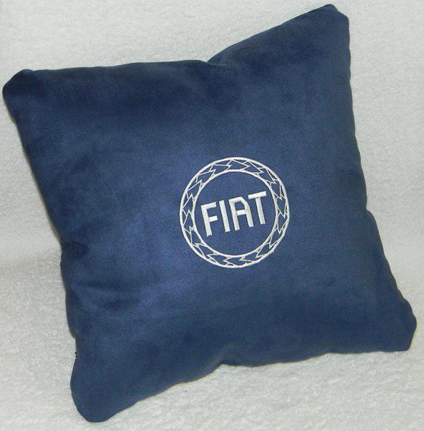 Подушка автомобильная с логотипом FIAT