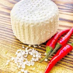 Сыр Томини из козьего молока (Артизан)