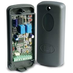 001RE432M Радиоприемник 2-х канальный в корпусе, универсальный
