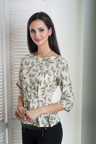 Павла. Блуза больших размеров с поясом. Принт цветы