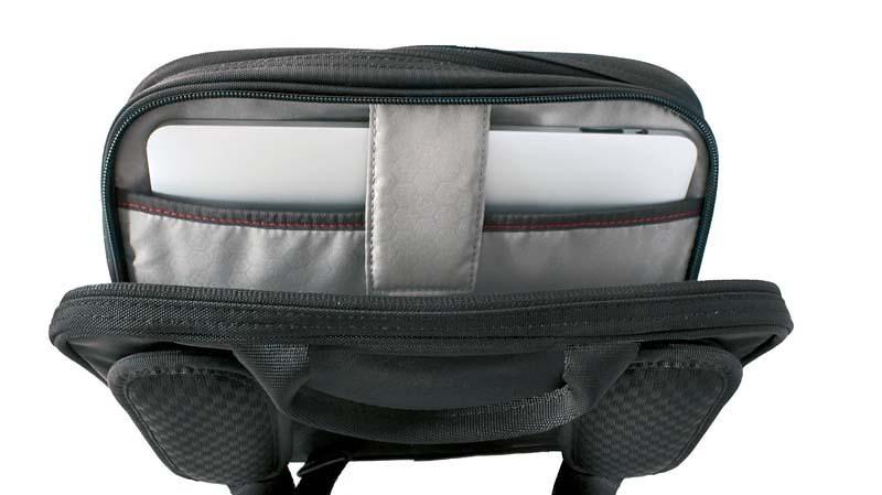 Сумка наплечная Victorinox Travel Companion горизонтальная, чёрная, 27x8x21 см, 4 л