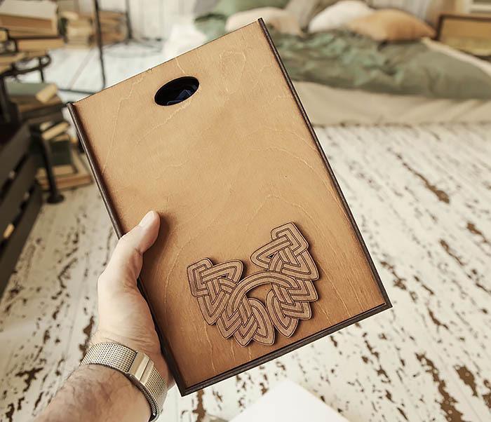BOX230-2 Фирменная коробка для подарков коричневого цвета (18*26*7,5 см)