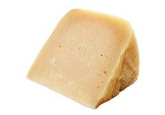 Сыр Монтазио, выдерженный 12 месяцев~200г