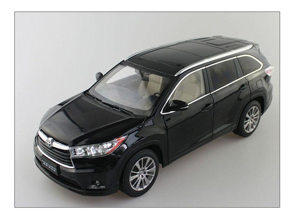 Коллекционная модель Toyota Highlander 2015