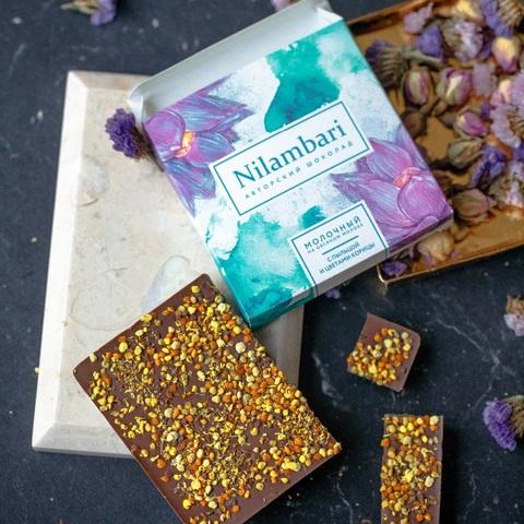 Фотография Шоколад Nilambari на овсяном молоке с пыльцой и цветами корицы, 65 г купить в магазине Афлора