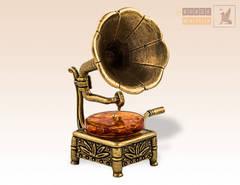 фигурка Граммофон с янтарем