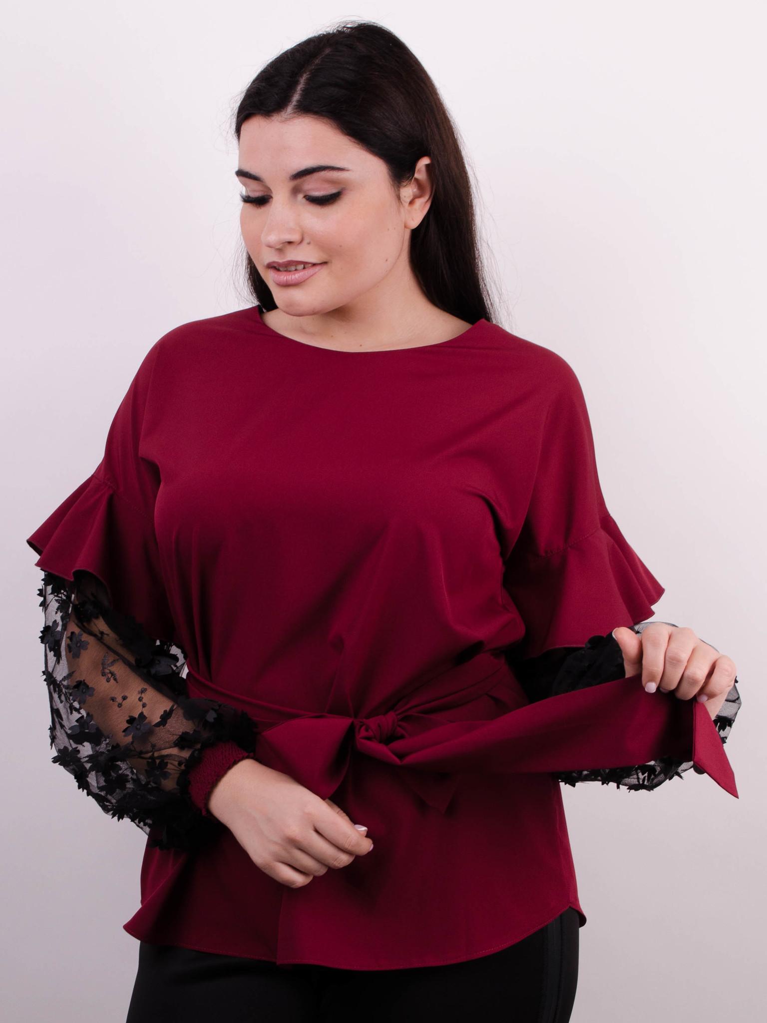 Карина. Жіноча блуза з рюшами великих розмірів. Бордо. - купить по ... b7664422410b1