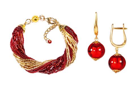Бисерный комплект красный (серьги-бусины, браслет)