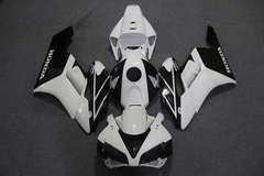 Комплект пластика для мотоцикла Honda CBR 1000RR 04-05 Бело-Черный