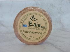Мыло с люфой с эфирным маслом сандала Elaia Spa