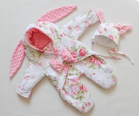 Демисезонный комбинезон для новорожденного