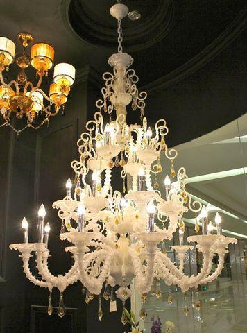 murano chandelier  ARTE DI MURANO 12-12  by Arlecchino Arts ( HK)