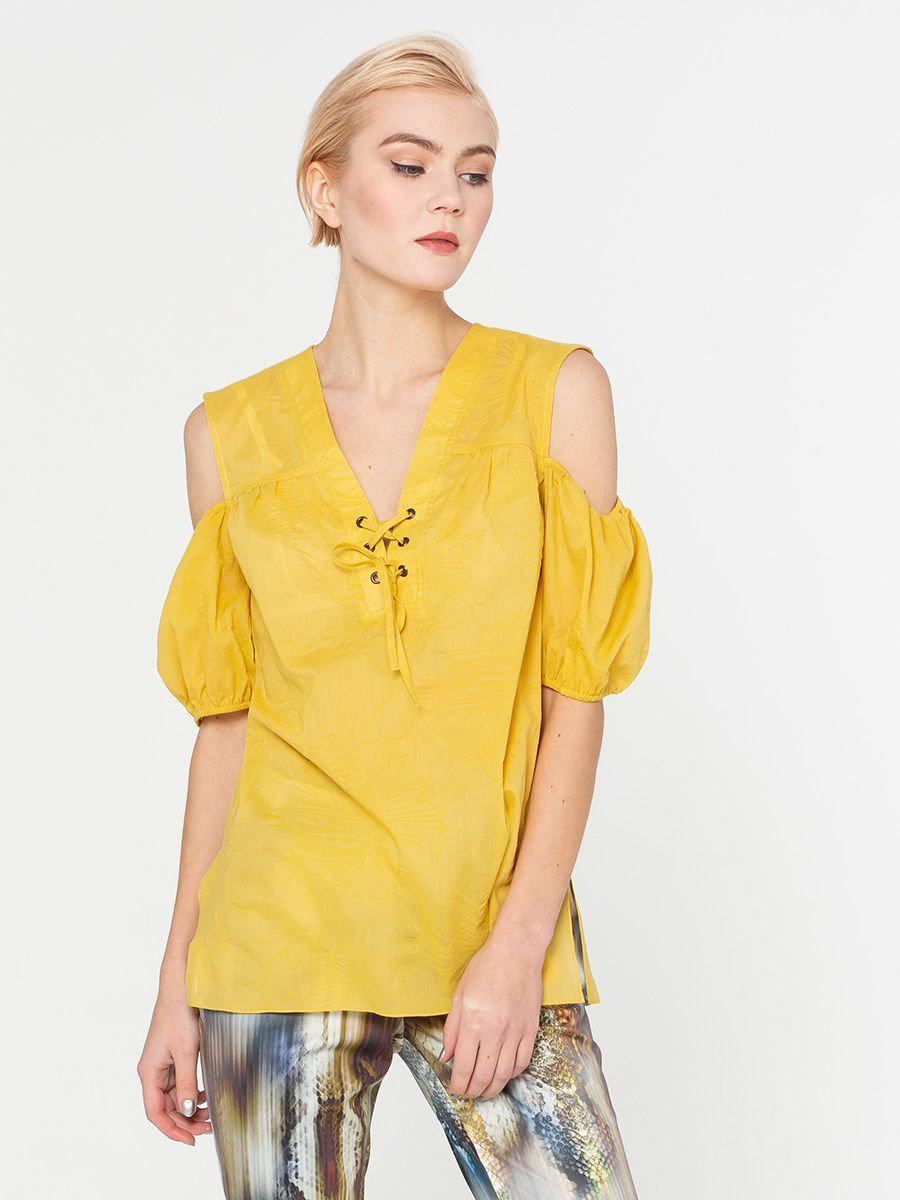 Блуза Г602-768 - Легкая хлопковая блуза свободного силуэта. Фигурные вырезы на рукавах, эффектно подчеркивает открытые плечи.  Прекрасно сочетается с юбками, брюками, джинсами и шортами создавая романтичный и женственный образ.