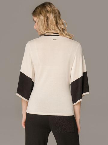 Женский белый джемпер со свободными рукавами и контрастными вставками - фото 2