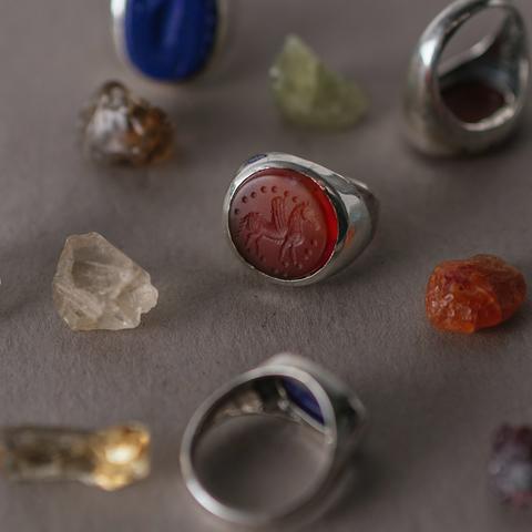 Кольцо-печатка с инталией 16.5 (сердолик, антик, олень)