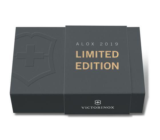 Складной нож-брелок Victorinox Classic Alox Champagne-Gold Limited Edition 2019 (0.6221.L19) лимитированное издание, подарочная упаковка - Wenger-Victorinox.Ru