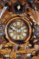 Часы настенные с кукушкой Trenkle 367 Q