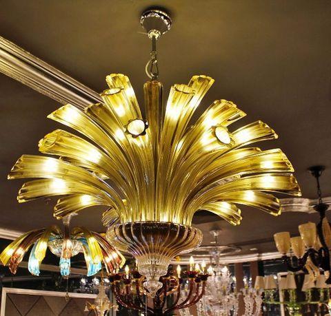 murano chandelier    ARTE DI MURANO 12-21  by Arlecchino Arts ( HK)