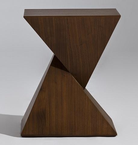 столик pyramid coffee table