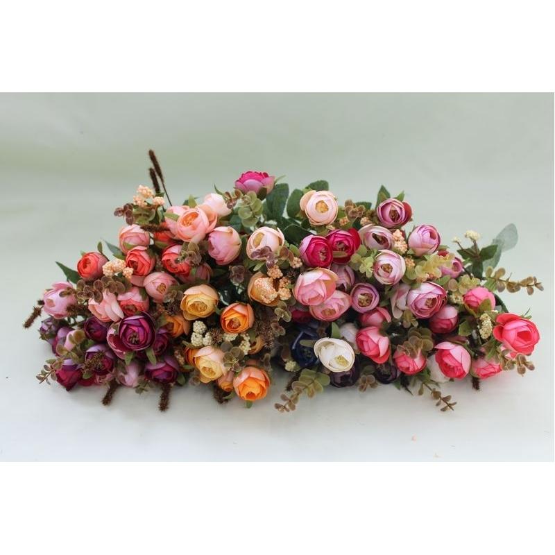 Букет Камелий перламутровых с добавкой, 13 цветочков 3,5 см