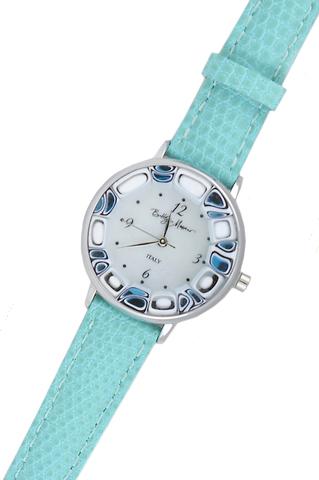 Часы на голубом ремешке из муранского стекла с бело-синим ободом