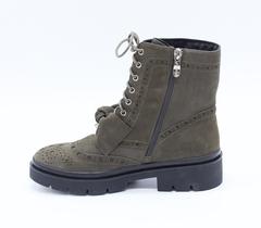 Зеленые ботинки из нубука с декоративной шнуровкой