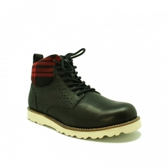 /collection/neumel-boots/product/ugg-mens-sullivan-black-white