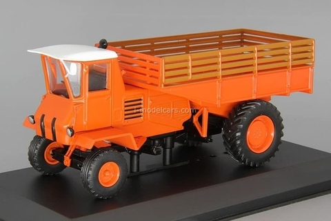 Tractor SSh-75 Taganrozhets 1:43 Hachette #80