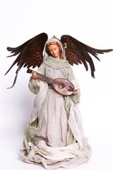 Коллекционная декоративная кукла. Ангел, играющий на лютне.
