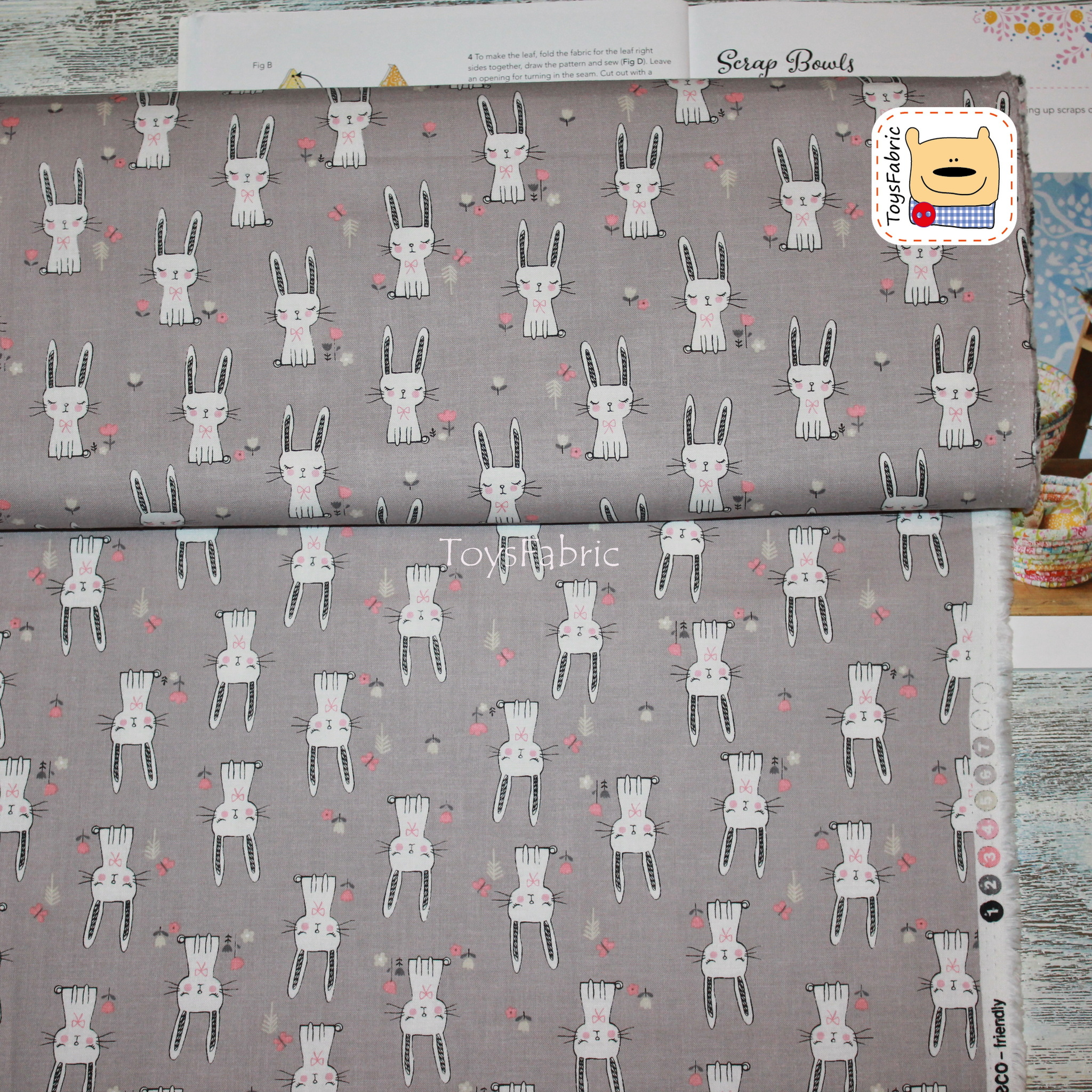 Ткань для пэчворка корейский хлопок 20828 (зайцы на сером) 45х55см