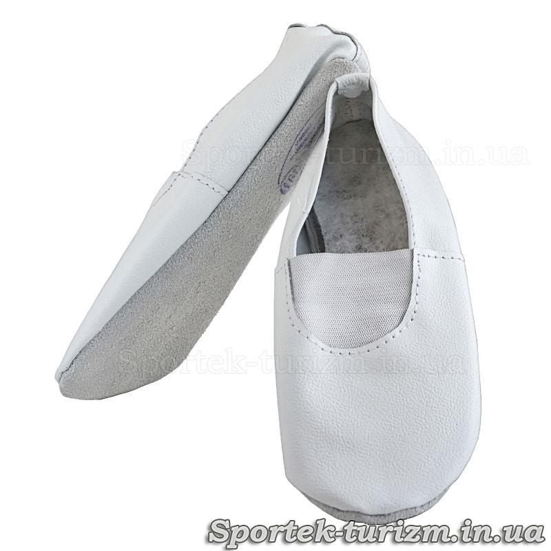 Чешки белые для занятий спортом и танцами