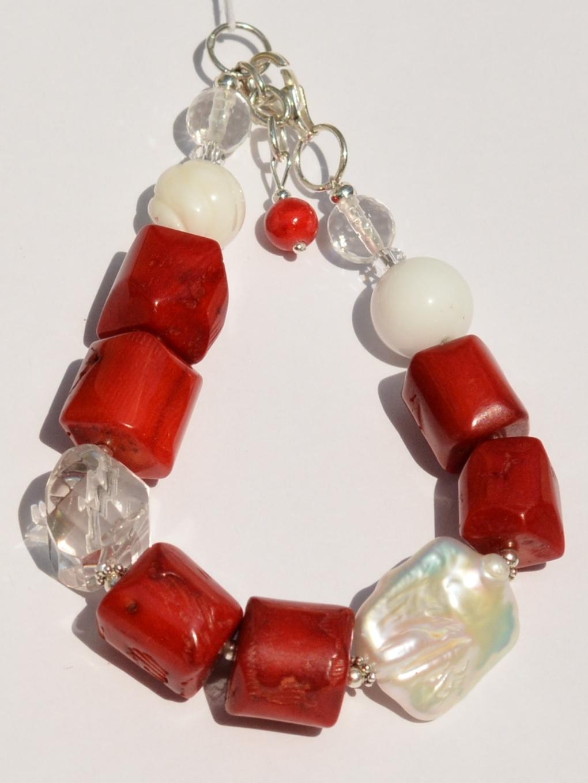 806-коралл (браслет из натуральных камней)
