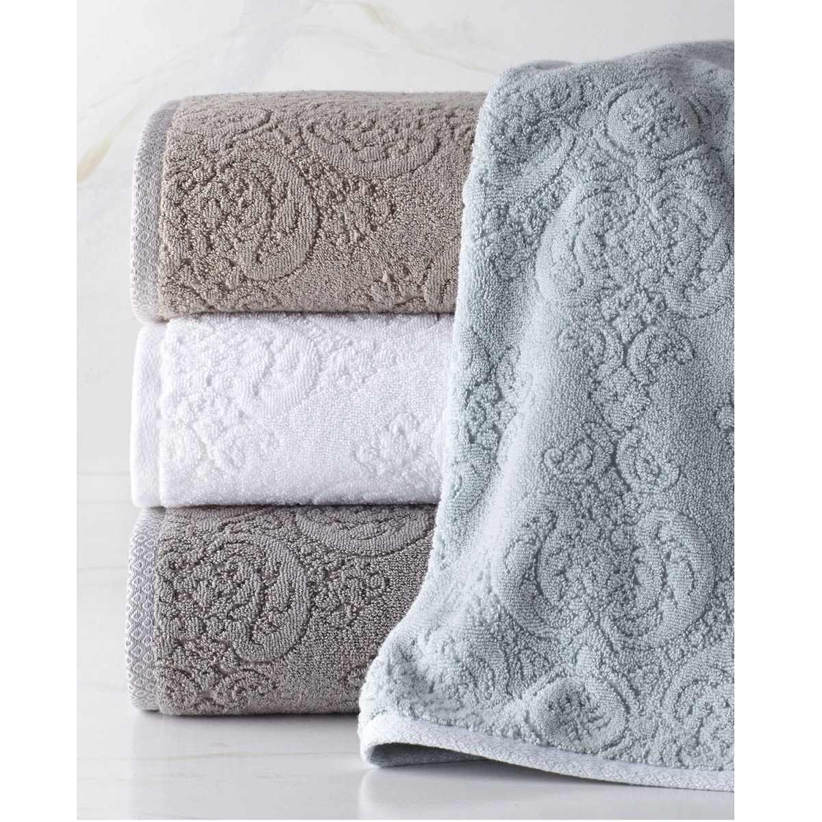 Полотенца Полотенце 76х137 Kassatex Bedminster Damask tile grey elitnoe-polotentse-mahrovoe-bedminster-damask-tile-grey-ot-kassatex-portugaliya.jpg