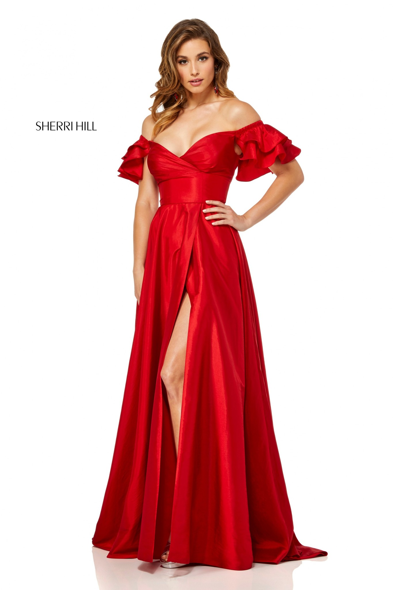 Красное платье Sherri Hill 52469 в пол с разрезом  и вырезом на плечах