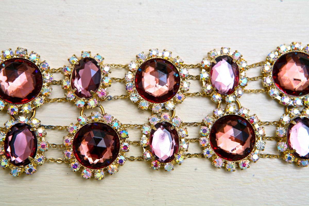 Роскошный браслет с кристаллами под аметист от Lawrence Vrba